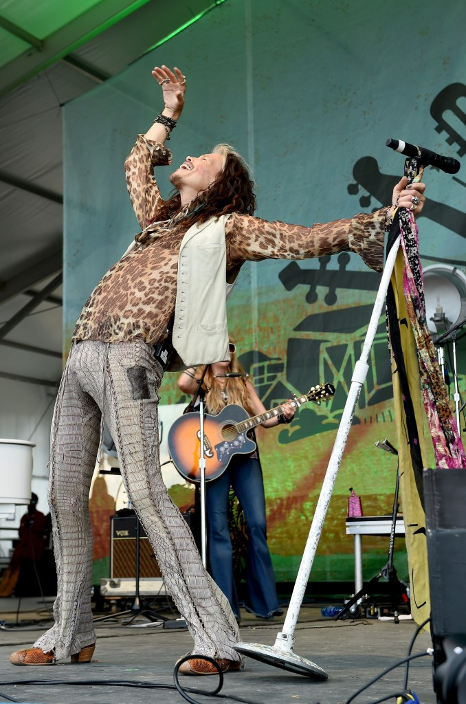 FRANKLIN, TN - SEPTEMBER 27:  Steven Tyler performs onstage during Pilgrimage Music & Cultural Festival on September 27, 2015 in Franklin, Tennessee.  (Photo by Erika Goldring/Getty Images for Pilgrimage Music & Cultural Festival)