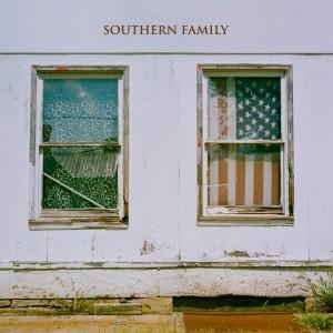 southern-family_sq-8b765393385ee3c7ac6d8537fe102df5cb9a3ab3-s900-c85